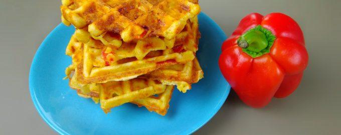 Вафли с сыром и болгарским перцем