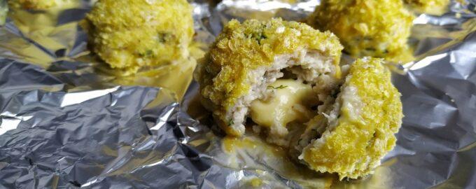 Куриные шарики с сыром (котлеты с начинкой)