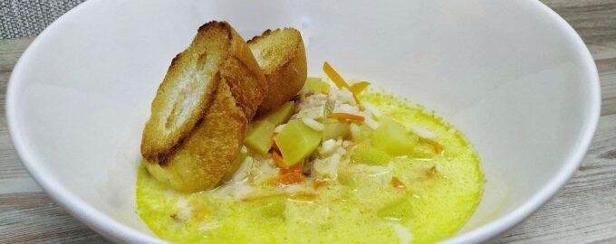 Сырный суп с рисом и курицей